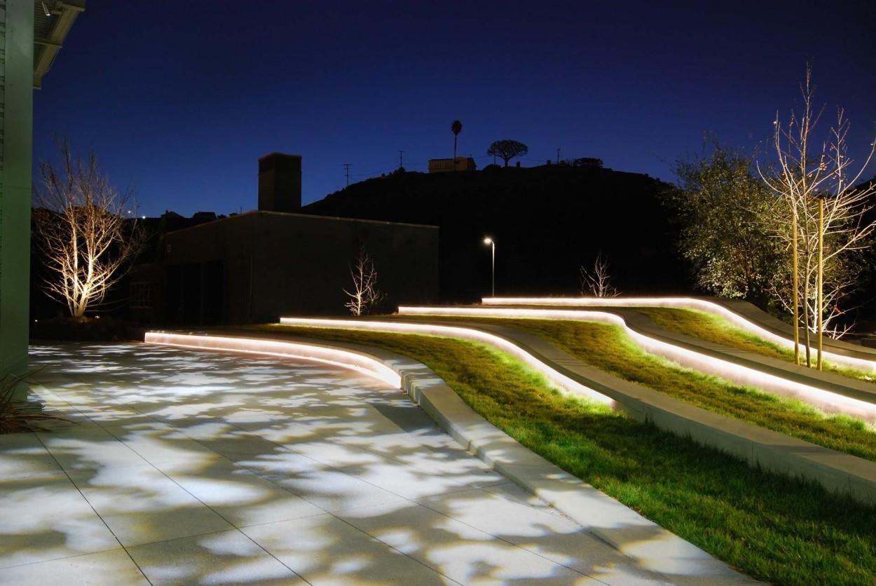 Youtube landscape playa vista ca oculus light studio for Architectural landscape lighting